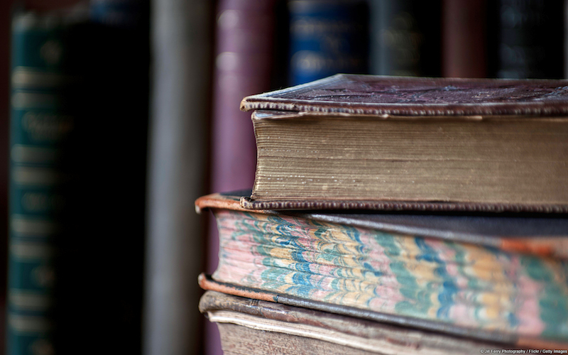 Pila di libri antichi - Sfondi desktop libri