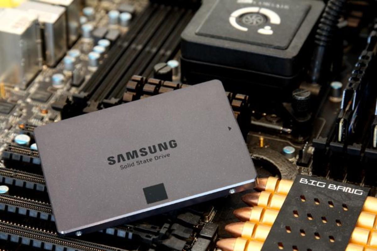 Samsung EVO SSD, 2.5 Pollici, 250 GB, Nero/Antracite